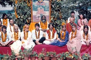 En Inde avec Maharishi Mahesh Yogi et les Beatles en 1968