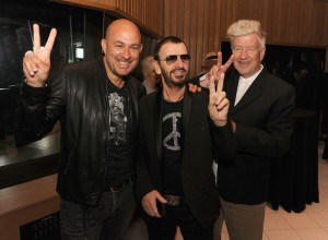 John Varvatos, Ringo Starr, David Lynch au lancement de la campagne Peace Rocks.