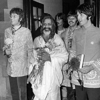 maharishi_with-the-beatles