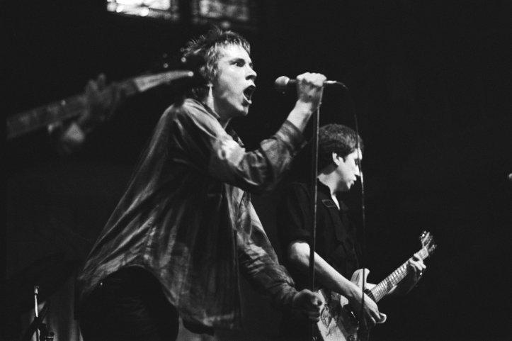 Sex_Pistols_in_Paradiso_-_Johnny_Rotten_&_Steve_Jones